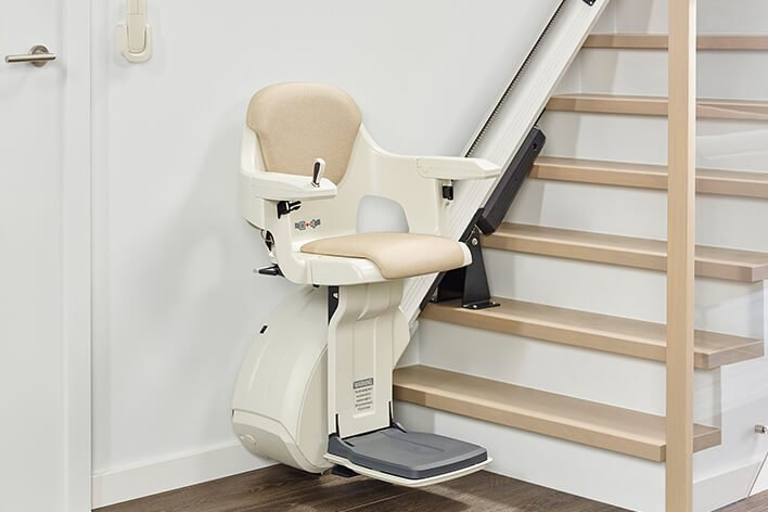 Treppenlift für gerade Treppen in Schweighofen